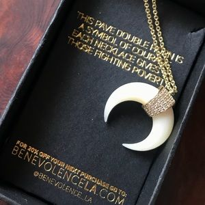 Upsidedown Horn Crescent Moon Necklace